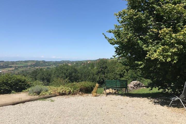 Italian farmhouse with stunning views and garden