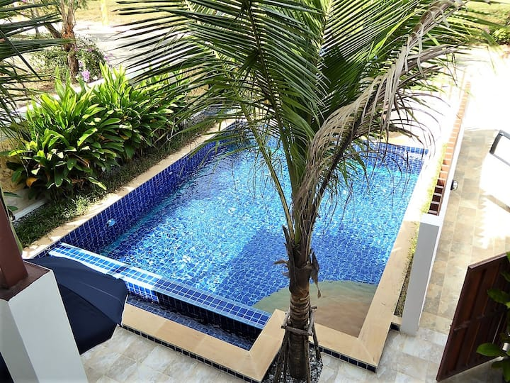 Brand New Beach House w. Private Pool & Rooftop