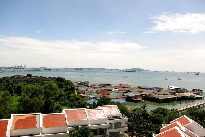 Siracha Harbour & Sea View 2BR Apt. - Laemchabang - Departamento