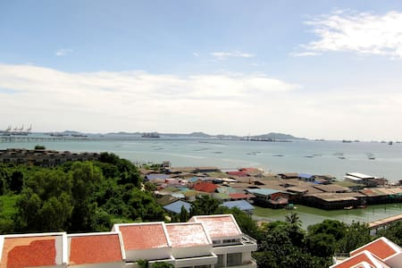 Siracha Harbour & Sea View 2BR Apt. - Laemchabang