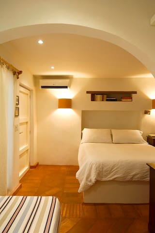 Romantic guesthouse in the center 2/Provence Room
