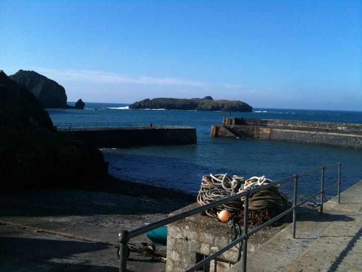 Tremellin,Island View in the heart of Mullion Cove