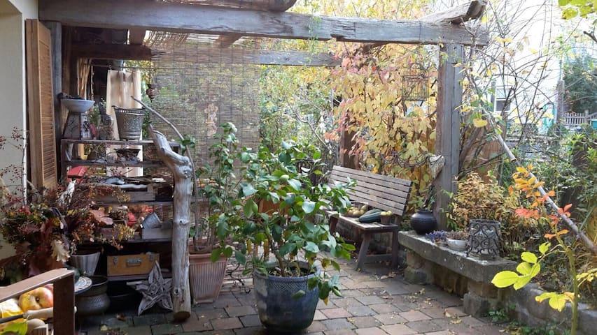 Kleinod bei Bamberg  - HausEtage+Garten+Terrasse - Litzendorf - Hus