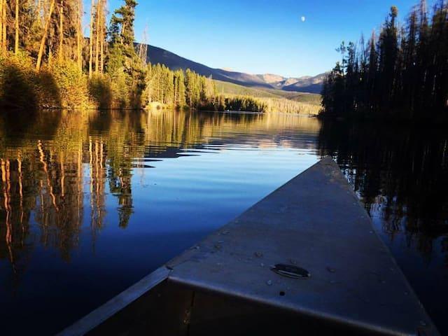 Cozy Grand Lake Cabin