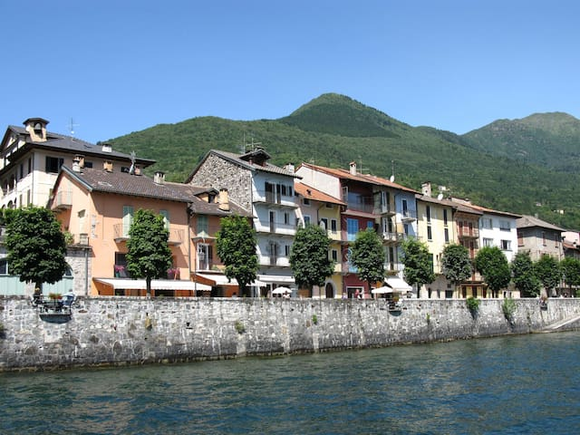 Casa Castello - Lakefront Apartment - Cannobio - Dom