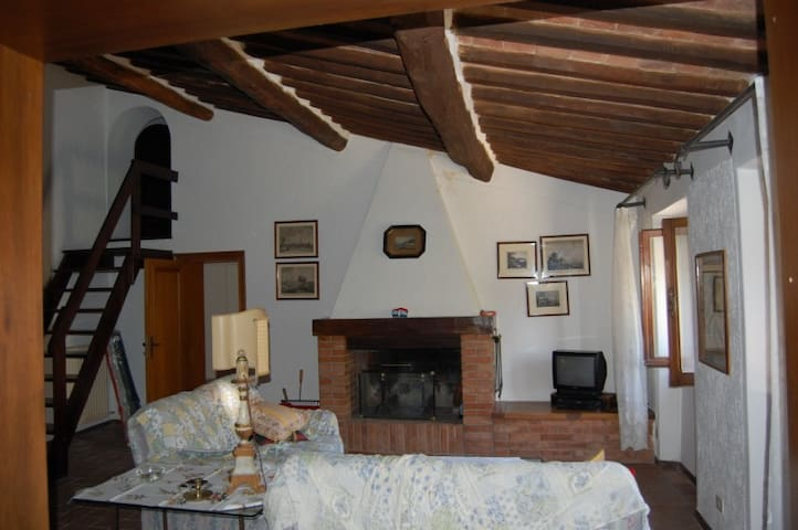 SATURNIA COUNTRY COTTAGE