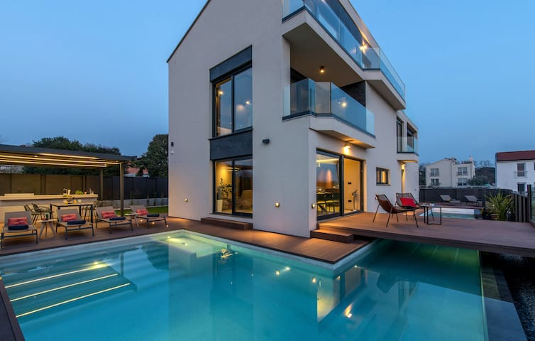 Villa Mare Exclusive with beautiful sea view