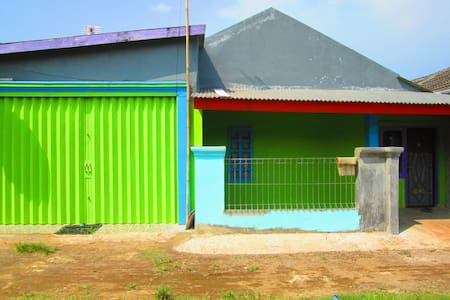 rumah aman dan nyaman harga sewa murah meriah - West Karawang