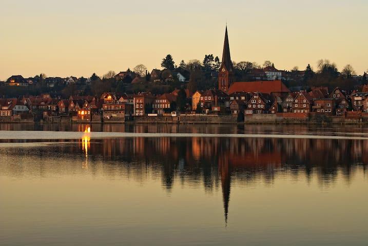 Lauenburg-50km bis Hamburg-Zentrum - Lauenburg Elbe