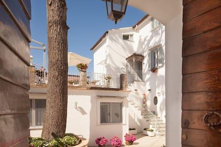 Casa Laura, S'Agata Sui Due Golfi, Amalfi Coast