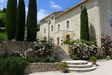 Proche Avignon, Bastide XVIIIe, Vue Mont Ventoux - Sauveterre - Apartamento