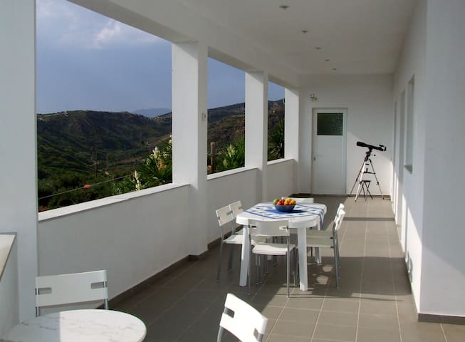 Villa Apartment overlooking the Sea - Zacharo - Wohnung