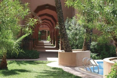 Riad, garden pools B&B in Marrakesh
