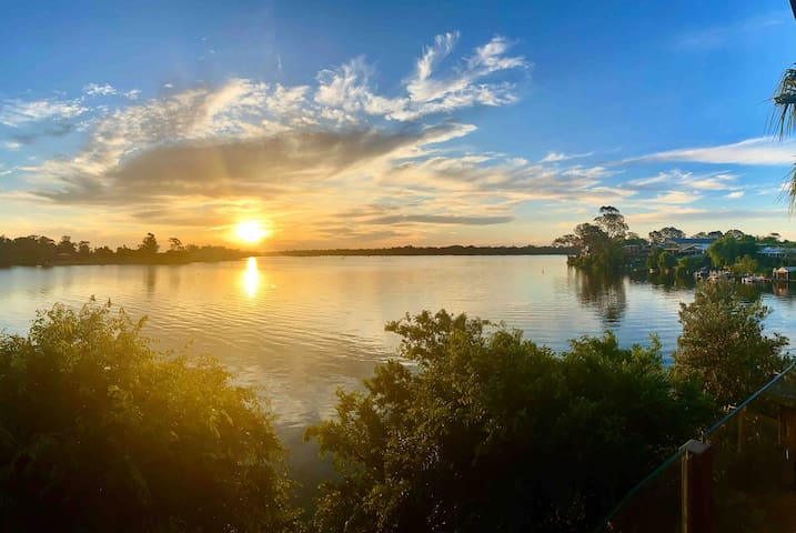 The Jetty Lake Nagambie Apartment 9 - Penthouse