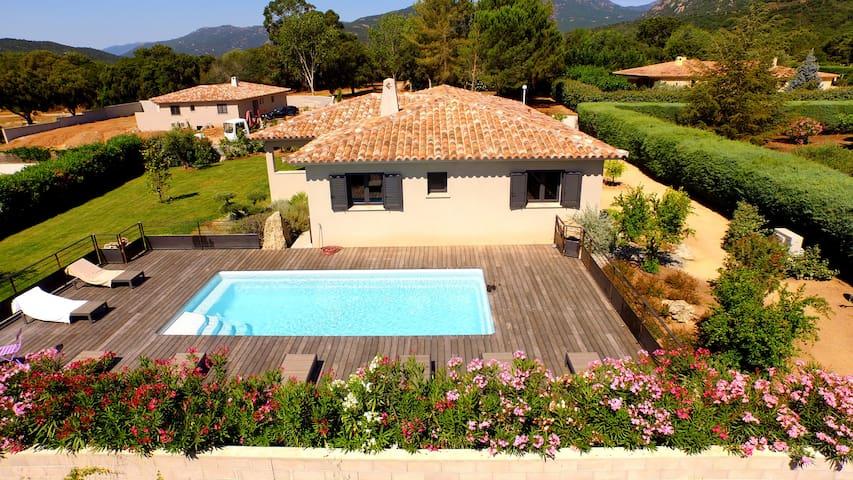 Villa standing piscine chauffée - Zonza - Huis