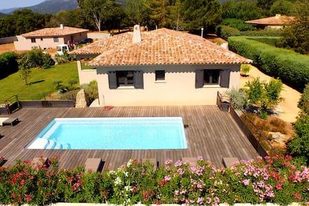 Villa standing piscine chauffée - Zonza