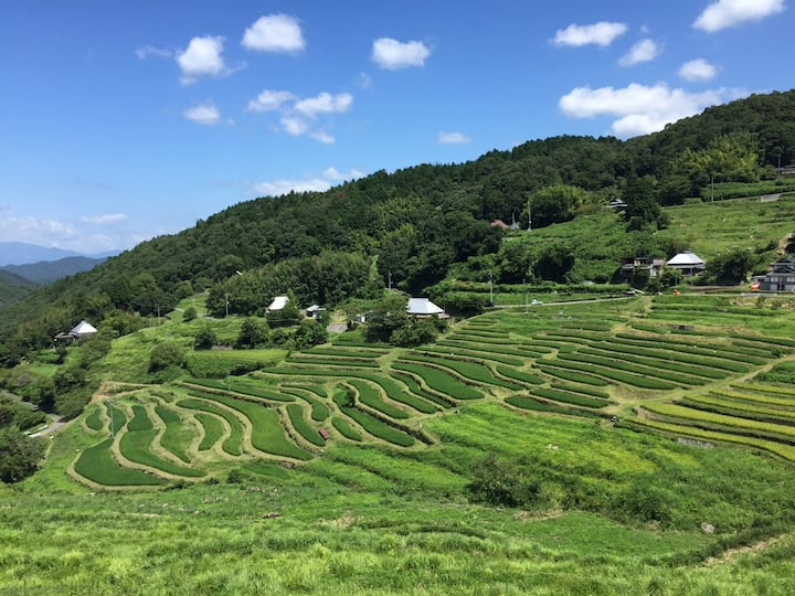 棚田のきれいな村の日常を体験できる古民家宿泊