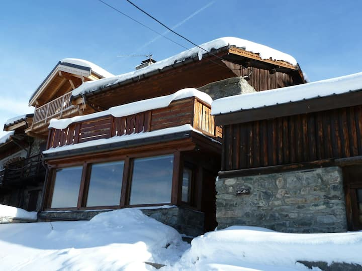 Ski-in, ski-out authentic chalet