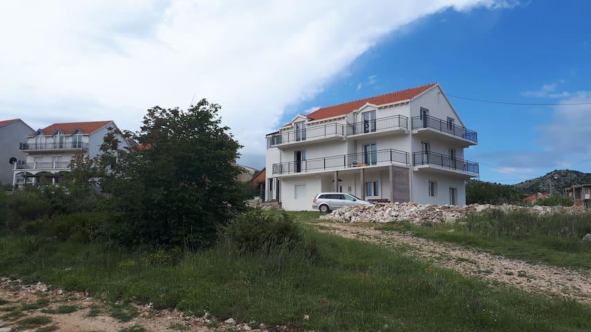Entire Floor Apartment, Ivanica near Dubrovnik