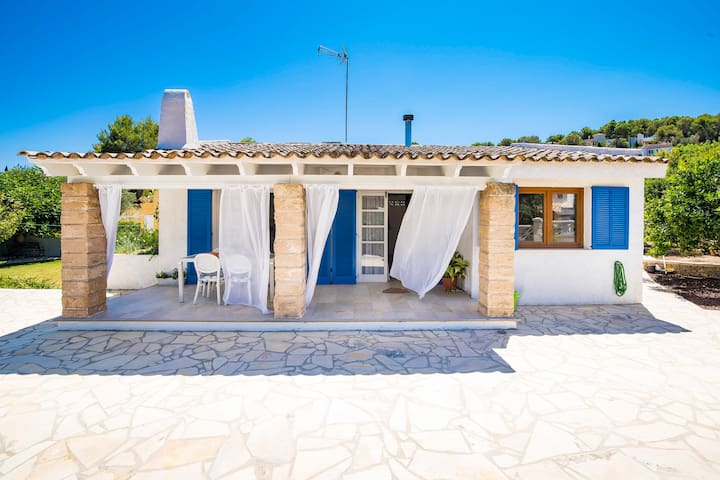 Romantic house Rotes Velles