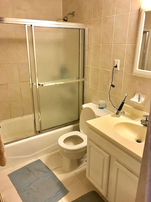 獨立分離式衛浴