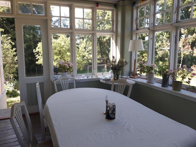 Vackert boende med tillgång till stor trädgård