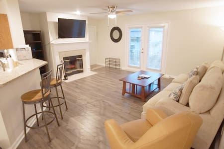 Short Stay JAX condo LOCATION! Mayo & JAX Beaches