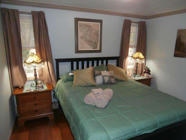 Balsam Mt, Suite @ Black Bear Lodge on 12 acres