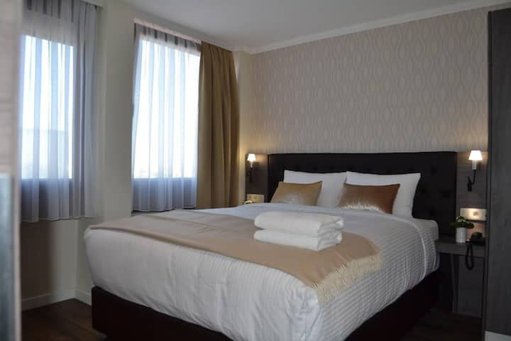 Cozy boutique room Double bed.