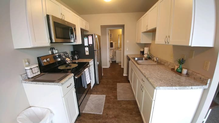 Location, style and comfort. 2 Bedroom Delight!