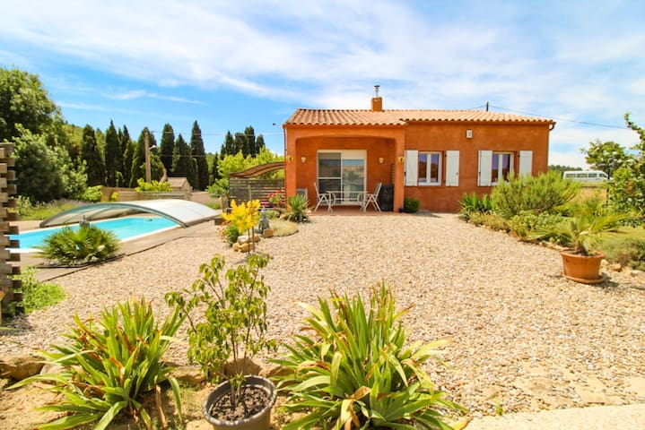 House in Corbieres covered pool air conditioning