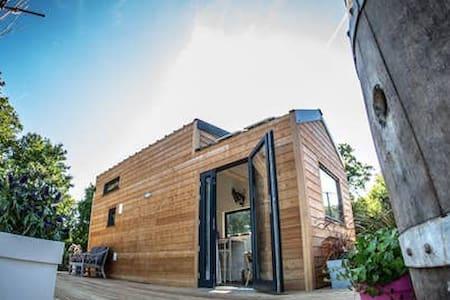 Tiny House en amoureux: nature calme 100 km Paris