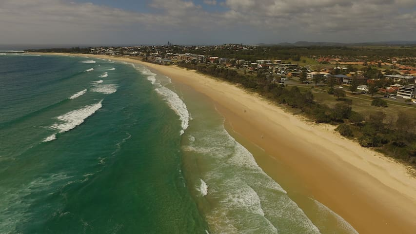 Marine Parade on Kingscliff's Stunning Surf Beach - Kingscliff