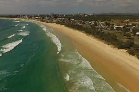 Marine Parade on Kingscliff's Stunning Surf Beach - Kingscliff - Huoneisto
