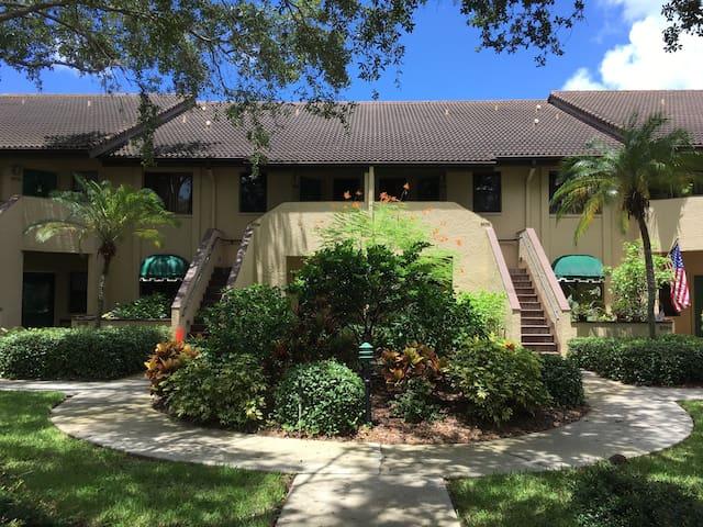 Ashton Lakes!  Sarasota's Best Vacation Location