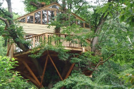 Treehouse, fully equipped