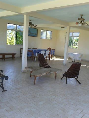 Location de Villa au bord de mer  - Vieux Habitants - Hus