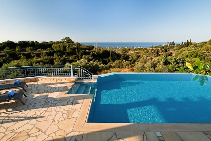 Lux Villa w Sea View + Heated Pool - Svoronata - 別荘