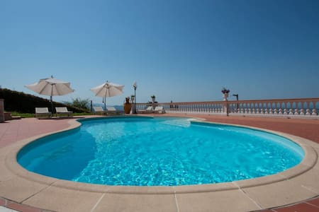 Villa Sophia with private pool 10 km from the see! - Corsanico - Villa