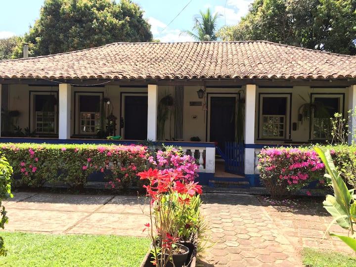 Casa de Fazenda Centenária Chácara Urbana 10.000M²