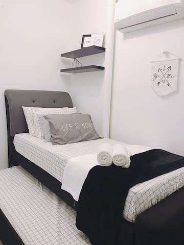 Pull out bed - Two single beds room