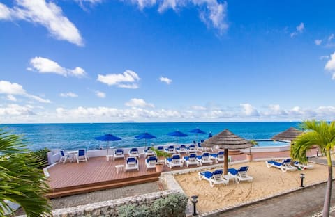 Beachfront 2BD/2BR, 2nd Flr Unit, Secluded