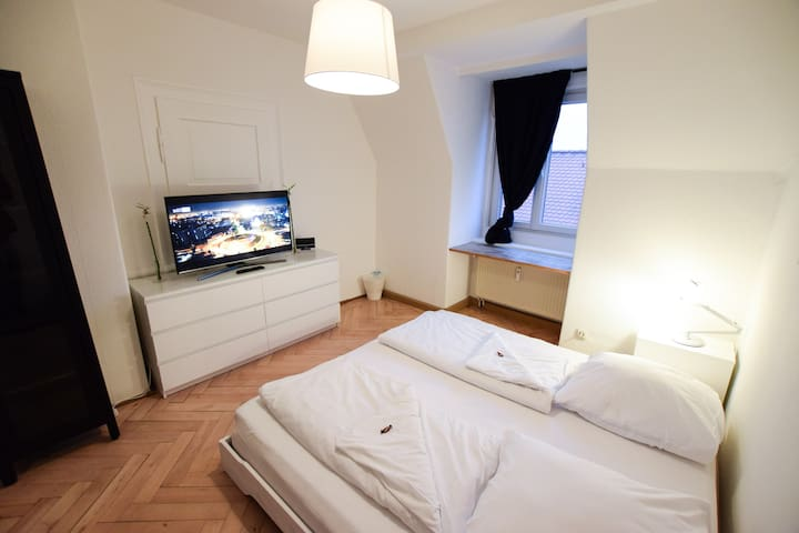 Three Room Apartment - Regensburg - Lägenhet