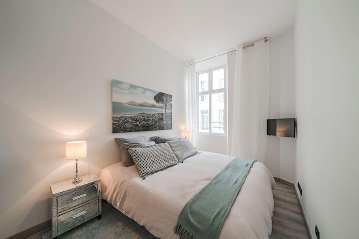 T2  rentals rue d'Antibes Cannes