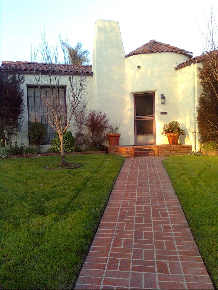Roey's house in fabulous Pasadena