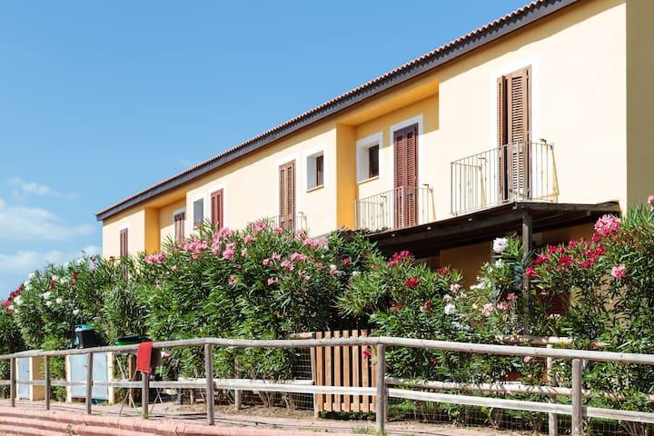 Your Perfect Holiday in Sardinia - Badesi - บ้าน