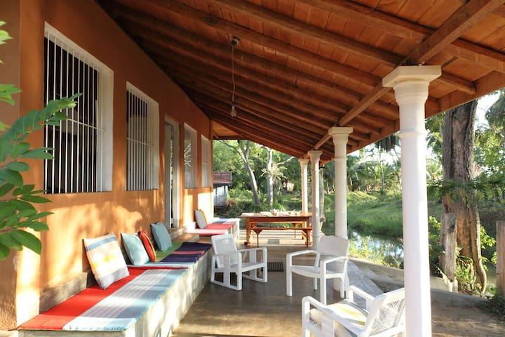 River island. near yala jungles - Hambantota - Шале