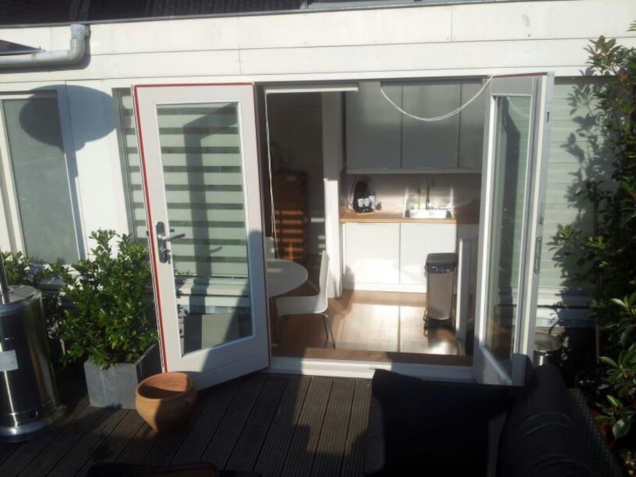 Splendido appartamento con terrazzo appartamenti in for Appartamenti amsterdam affitto mensile