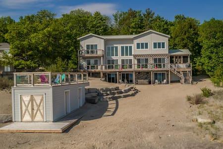 Georgian Bay Beach House~A designer's dream!