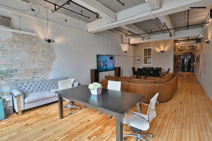 Authentic hard Loft in heart of downtown Toronto